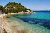 Havet vik med klippor — Stockfoto