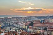 Portugal, Europe - Viewpoint to Lisbon downtown at sunset, with  — Stock Photo