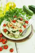 Zucchini baked with chicken, cherry tomatoes and herbs  — Stockfoto