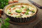 Quiche with broccoli and fish — Stock Photo