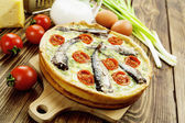 Kish with sprats and cherry tomatoes — Foto de Stock