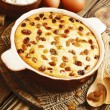 Постер, плакат: Casserole with cottage cheese and raisins