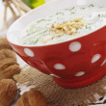 Tarator, bulgarian sour milk soup — Stock Photo #71953711
