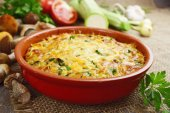 Vegetable casserole with mushrooms — Stock Photo