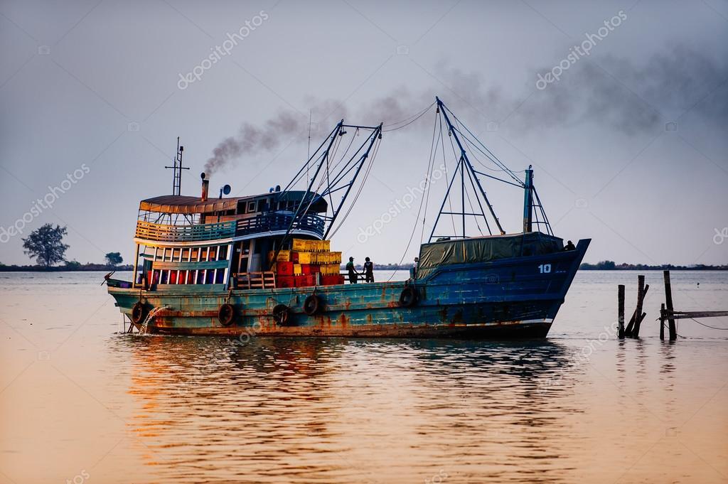картинки рыболовные суда
