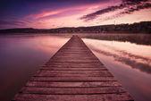 Leere pier an der see — Stockfoto