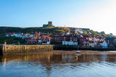 Whitby, North Yorkshire, UK - October 12, 2014:Scenic view of Whitby city and abbey in sunny autumn day, North Yorkshire, UK. — Stock fotografie