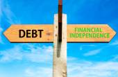 Wooden signpost with two opposite arrows over clear blue sky, Debt versus Financial Independence messages, Personal Finance conceptual image — Stock Photo