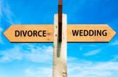 Divorce versus Wedding — ストック写真
