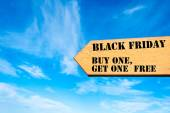 Arrow sign with Black Friday Buy one get one free message — Φωτογραφία Αρχείου