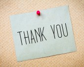 Recycled paper note pinned on cork board.Thank you Message. Concept Image — Stock Photo