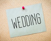 Recycled paper note pinned on cork board.Wedding Message.Marriage Concept — Stock Photo