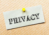 Recycled paper note pinned on cork board.Privacy Message. Concept Image — Stockfoto
