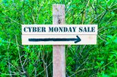 CYBER MONDAY SALE Directional sign — Stock Photo