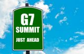 G7 SUMMIT Just Ahead written on green road sign — Stock Photo