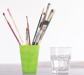 Painting Utensils  in front of colored Pallet — Stock Photo