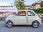 Vintage Fiat 500 car at  L'Eroica, Italy — Foto de Stock