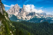 National Park panorama and Dolomiti mountains in Cortina d'Ampez — Stock Photo