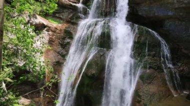 Cascada de la Cueva waterfall in Ordesa valley Pyrenees Huesca Spain Arazas river — Stock Video