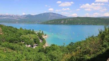 Озеро Сент-Круа, les ущелья дю Вердон, Прованс, Франция — Стоковое видео