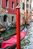 Gondola Service on the canal in Venice, Italy — Foto de Stock