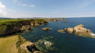 Aerial view of coastline of Galicia - Beautiful beach in the north of Spain — Stock Video