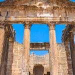 Remaining of the roman City of Dougga with the Capitol, Tunisia — Stock Photo #58209427