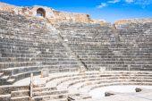 Remaining of the roman City of Dougga with the Capitol, Tunisia — Stock Photo