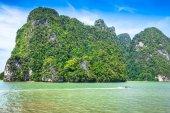 Rocks and sea Landscape on island in Thailand, Phuket — Foto Stock