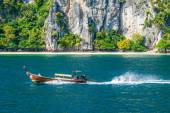 Traditionelle thai Longtail-Boot — Stockfoto