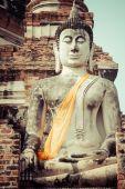 Buda antiga no Wat Yai Chaimongkol, Ayutthaya — Fotografia Stock