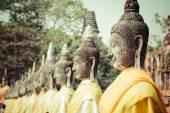 Aligned Buddha Statues at Wat Yai Chaimongkol Ayutthaya Bangkok  — Stock Photo