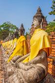 Aligned statues of Buddha — Stock Photo