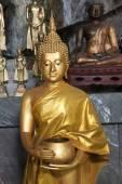 Buddha statues on the tiger cave temple near krabi ,thailand — Stock fotografie