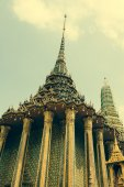 Phra Mondop(the library at Temple of the Emerald Buddha or Wat — Stock Photo