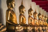 Picture of Buddha statue at Wat Pho temple. Bangkok, Thailand. — Stock Photo