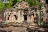 Ruins of Pra Khan Temple in Angkor Thom of Cambodia — Stock Photo