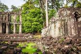 Ruins of Pra Khan Temple in Angkor Thom of Cambodia — Stock Photo