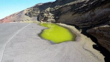 Aerial video footage of the Green Lagoon at El Golfo, Lanzarote, Canary Islands. Spain — ストックビデオ