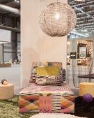 Sofá missoni en exhibición en homi, casa show internacional en milán, italia — Foto de Stock