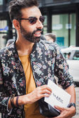Man outside Byblos fashion shows building for Milan Women's Fashion Week 2014 — 图库照片