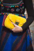 Detail of bag outside Gucci fashion shows building for Milan Women's Fashion Week 2014 — Stock Photo