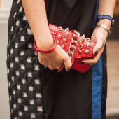 Detail of bag outside Missoni fashion shows building for Milan Women's Fashion Week 2014 — Stock Photo