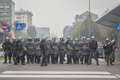 Riot police watches the students protesting in Milan, Italy — Stock Photo