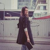 Pretty girl posing in the city streets — Foto de Stock