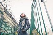 Beautiful girl posing in an urban context — Foto Stock