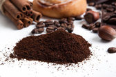 Handful of ground coffee close up — Stock Photo