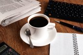 Di affari vita ancora con la tazza di caffè nero — Foto Stock