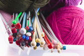 Collection of assorted knitting needles — Stock Photo