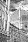 Cathedral Santa Maria del Fiore in black and white — Stock Photo
